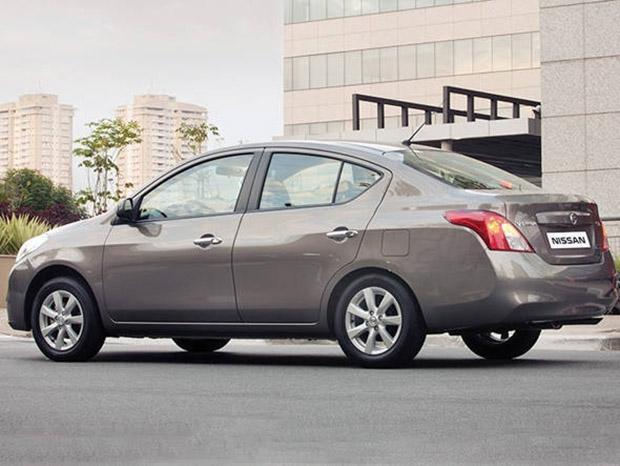 Nissan Versa 2014 Cinza