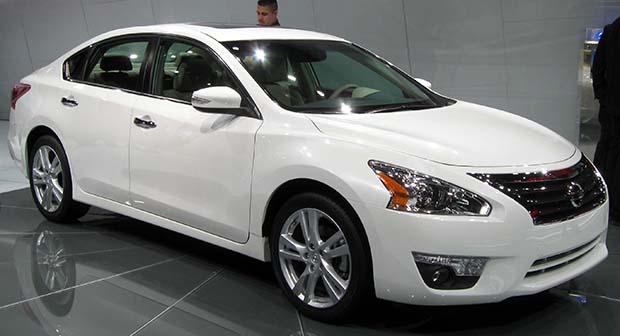Nissan altima 2014 frente
