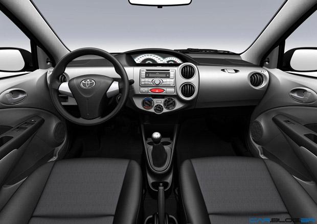 Interior Toyota Etios 2013
