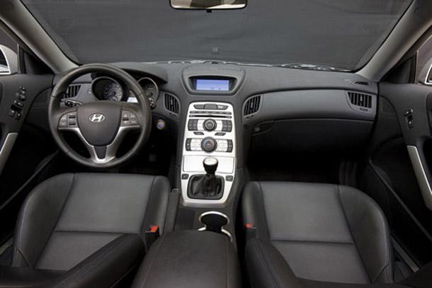 hyundai-genesis-coupe-interior